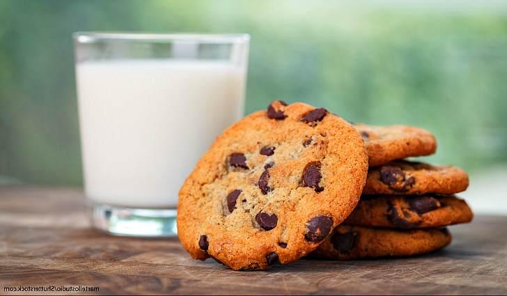 Печенье на молоке с шоколадом