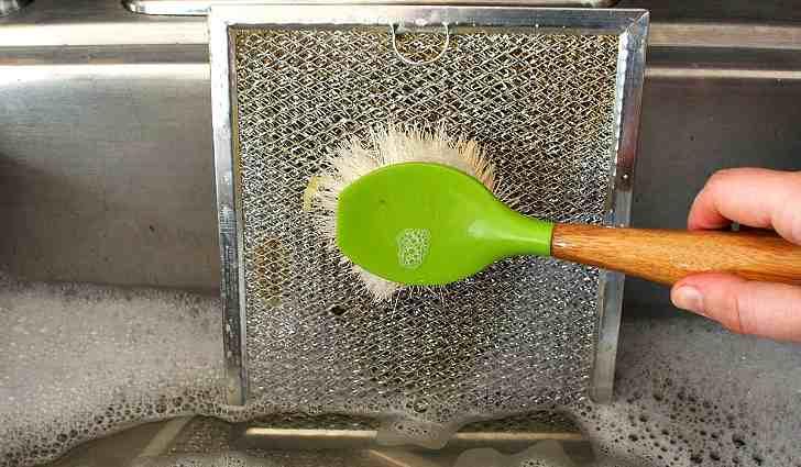 Чистка фильтра от кухонной вытяжки