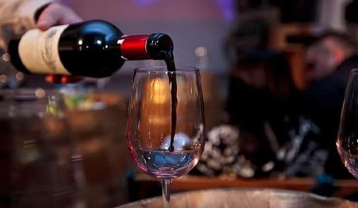 Вино поменяло цвет