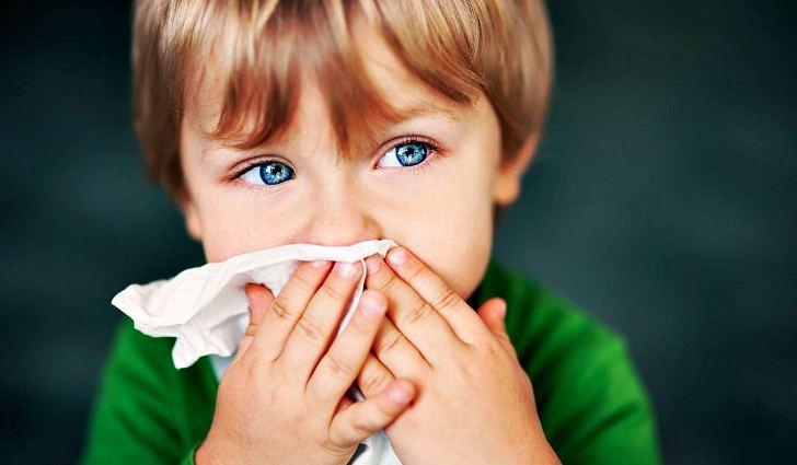 От чего помогает полоскание содой во рту