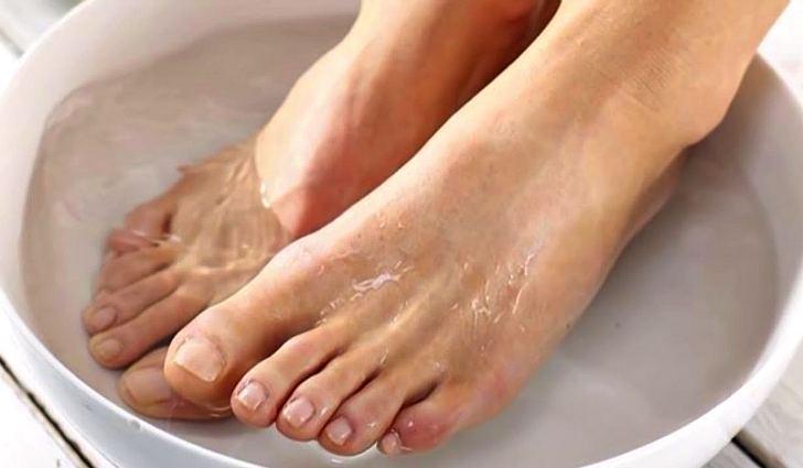 Можно ли парить ноги с содой